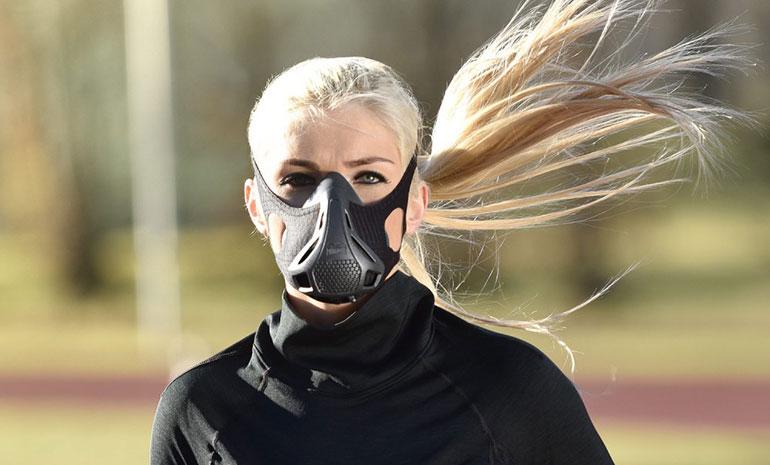 Бег в маске